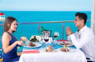 Обед у моря